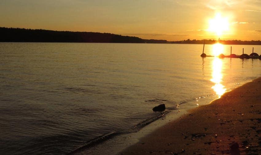 городские пляжи Чехова закат