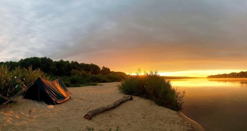 закат на пляже Ока