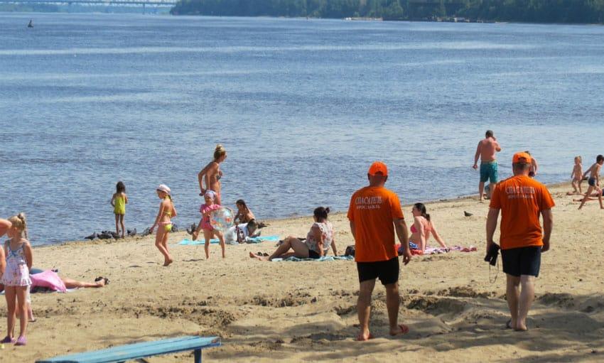 Которосльная набережная пляж