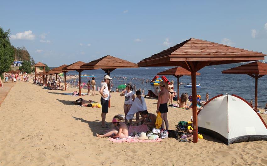 Пляж белая речка в Заволжье