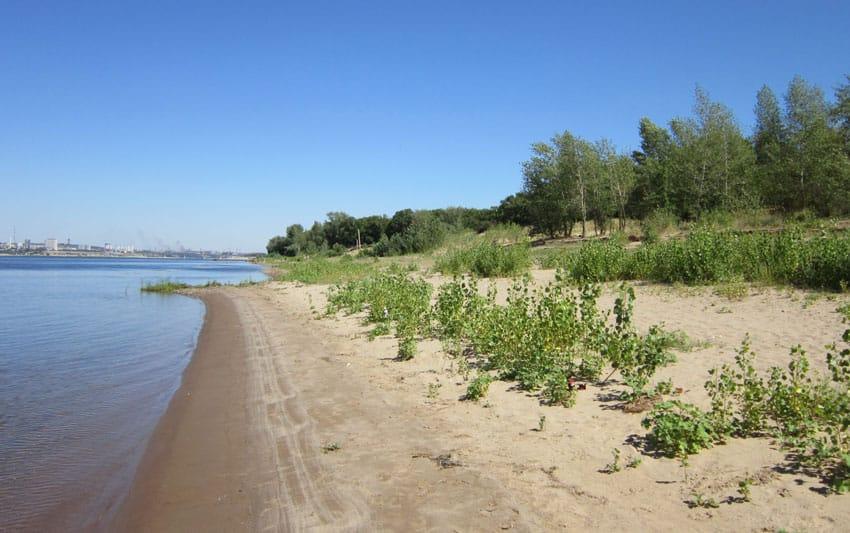Пляж Краснослободска возле турбазы