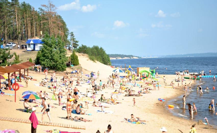 комфортный отдых на пляже в Чебоксарах