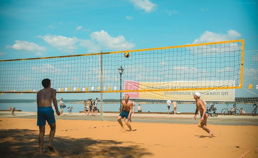 активный отдых на пляже в Чебоксарах