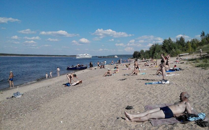 Пляж у пристани в Новочебоксарске