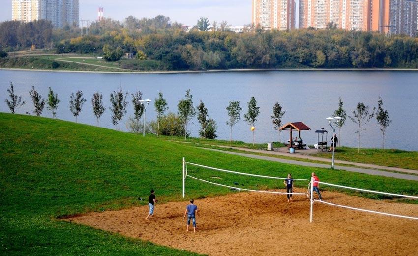 Пляж на Борисовских прудах