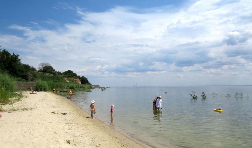 Городской пляж в Цимлянске на Цимлянском водохранилище