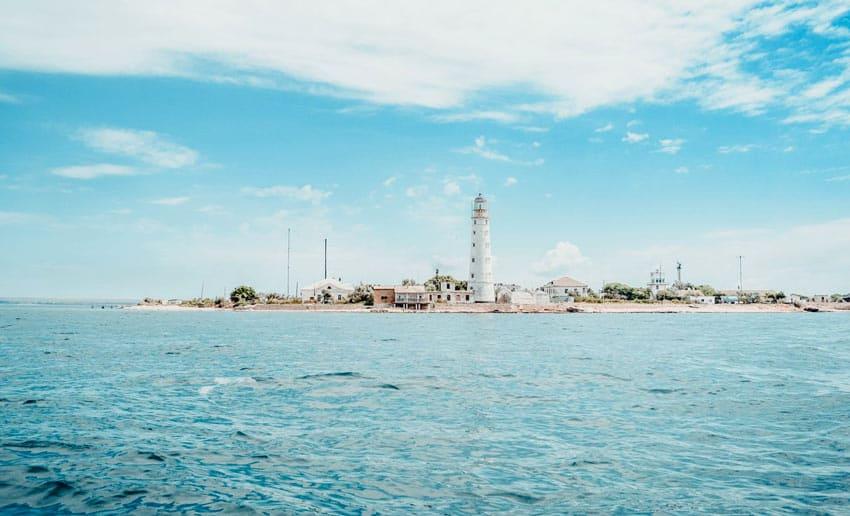 Пляж возле Tapхaнкутского маяка