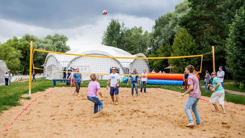 волейбольная площадка Пляж Улетай Серебряный бор