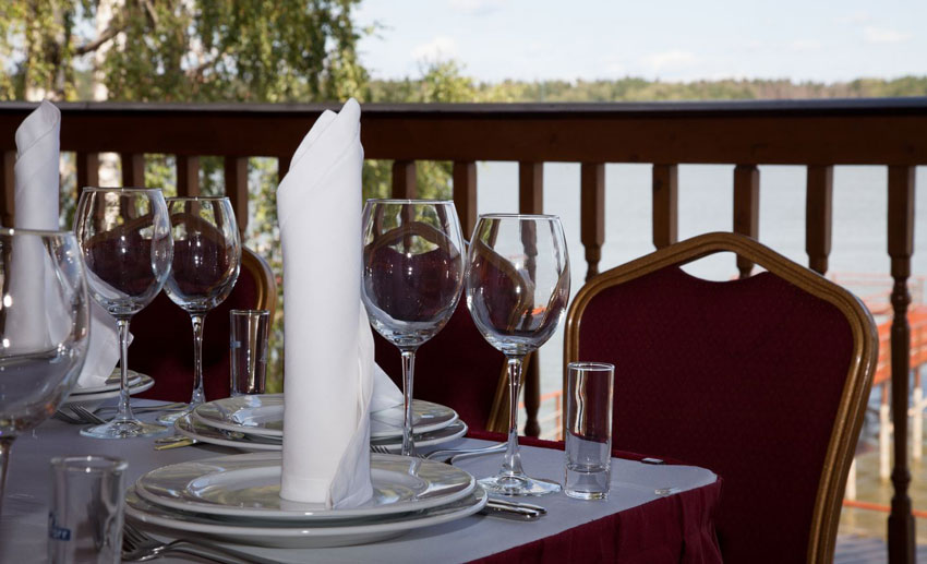 ресторан на берегу ISTRA MARINE BAY