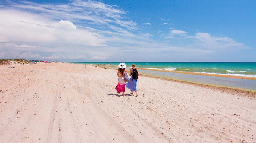 пляж на Бугазской косе
