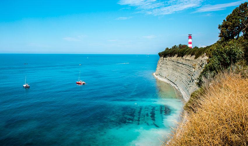 дикий пляж Круча Геленджик